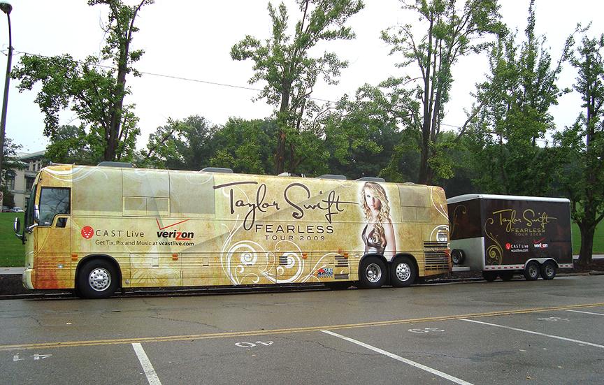 Taylor Swift's Tour Bus - Schenley Park, Carnegie Mellon