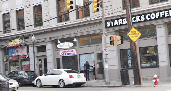Is Razzy Fresh Self-Serve Frozen Yogurt moving to Oakland?